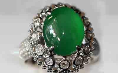 翡翠戒指多少钱贵吗?