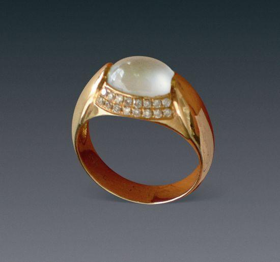 古代翡翠戒指